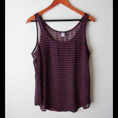 """Old Navy dot top Navy blue and red polka dot top - sleeveless - semi sheer - polyester - chest across measures 19.5"""" - total length measures 25"""" - size L Old Navy Tops"""