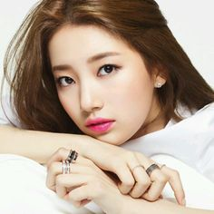 Suzy Bae -- love her fresh makeup look Bae Suzy, Korean Beauty, Asian Beauty, Asian Woman, Asian Girl, Miss A Suzy, Korean Make Up, Korean Style, Beauty And Fashion