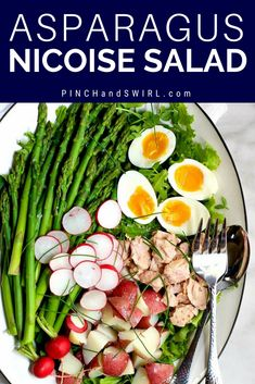 Asparagus Nicoise Salad is a springtime twist on the classic French Nicoise Salad. With fresh asparagus swapped in for green beans, tender new potatoes, eggs as they only are at the height of spring and a zesty dressing complete with fresh lemon juice and Vegetarian Salad Recipes, Easy Salads, Healthy Salad Recipes, Vegetable Recipes, Nicoise Salad, Easy French Recipes, Easy Dinner Recipes, Delicious Recipes, Dinner Ideas