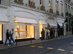 the ORIGINAL Chanel Boutique on 31 Rue Cambon  :)