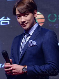 [images][clip] The 2014 Rain Effect Show in Beijing press conference. (3/4)