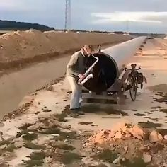 Funny Short Videos, Funny Video Memes, Wow Video, Fishing Humor, Funny Clips, Armin, Good Music, Haha, Funny Pictures
