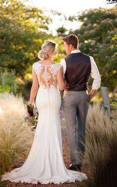D2238- Essense of Australia- Find @ De Ma Fille Bridal Boutique in Fort Worth, TX. Call 817.921.2964, www.demafille.com