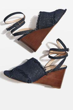 e82d0b1ead0a2e Carousel Image 1 Strappy Sandals