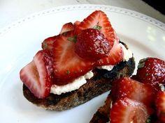 Strawberry Ricotta Bruschetta. Sparkling Rose' pairing.