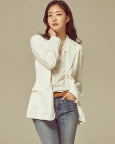[Interview] Kim Go-eun Has Come a Long Way Since Her Rookie Year Asian Actors, Korean Actresses, Korean Actors, Ji Eun Tak, Movie Of The Week, Kim Go Eun, Adventure Style, Korean Celebrities, Female Celebrities