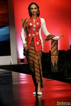 Koleksi Anne Avantie, Indonesia Sehati, IFW 2012, di Plenary Hall Jakarta Convention Center (26/02)