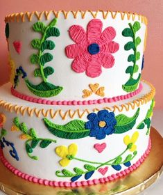 This Fiesta inspired embroidery cake is too gorgeous and looks almost too real to eat! Mexican Birthday Parties, Mexican Fiesta Party, Fiesta Theme Party, Festa Party, Birthday Party Themes, Mexican Menu, 2nd Birthday, Birthday Ideas, Mexican Themed Cakes