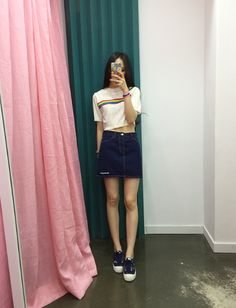 ((Rainbow stripe shirt and denim skirt))