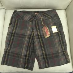 No Boundaries Plaid Bermuda Shorts Plaid Bermuda shorts in the colors of red, yellow, brown, tan and green Young attitude fit Fits to accentuate curves Junior trend-right fit Brand new with tags No Boundaries Other
