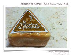 Le Tricorne de Picardie est un fromage au lait de vache une pâte molle à croûte lavée. Affiné pendant huit à six semaines dans une cave humide, sa croûte est lavée à la bière brune. Fromage de caractère, il développe une odeur puissante mais révèle sa véritable finesse en bouche. Crédit photo : Stéphane Vimond ©2017 Paris ♡ fromage ♡ cheese ♡ Käse ♡ formatge ♡ 奶酪 ♡ 치즈 ♡ ost ♡ queso ♡ τυρί ♡ formaggio ♡ チーズ ♡ kaas ♡ ser ♡ queijo ♡ сыр ♡ sýr ♡