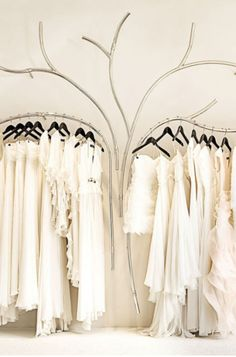 Visual merchandising is often regarded as a mix of art and science, so it can be a complex task. Here are a list of ideas for Boutique Displays and Visual Merchandising Boutique Design, Bridal Boutique Interior, My Boutique, Visual Merchandising, Clothing Displays, Metal Tree, Retail Design, Store Design, Display Design