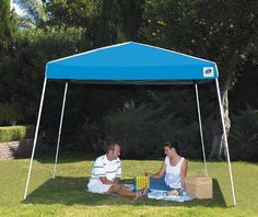 """E-Z UP"" SIERRA INSTANT SHELTER Blue x Valance height Powder coated steel frame 300 x 300 textured polyster fabric top Silver UV coated roof Includes frame, top, roller bag & stake kit Fire retardent Boxed Outside Canopy, Canopy Outdoor, Outdoor Fabric, Outdoor Benches, Wood Pergola, Pergola Patio, Pergola Canopy, Backyard, Camping Shelters"
