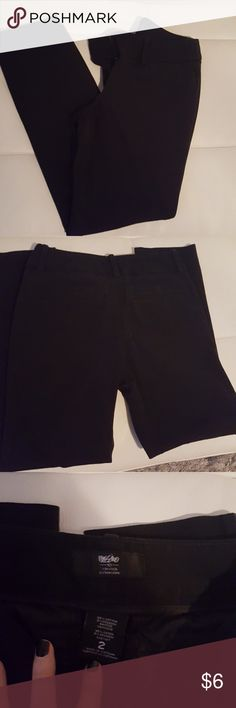 Women's black pants Crop pants, comfy, good condition, very slightly faded Mossimo Supply Co Pants Ankle & Cropped