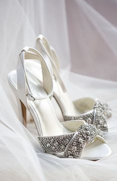 Wedding shoes idea; Featured Photographer: Amy and Jordan Photography