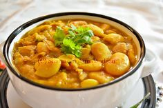 The so famous Mauritian Lima Beans Curry (Masala Gros Pois)! :) This dish is among one of the base food in the Mauritian Cuisine. Lima Bean Recipes, Mauritian Food, Beans Curry, Base Foods, Meatless Monday, Raw Vegan, Chana Masala, Confessions, Yummy Food