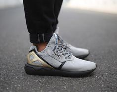 adidas Originals is already gearing up for 2015 with two new iterations of the Tubular Runner. The New Year's Eve Pack features the lightweight minimalist running shoe outfitted in heather grey and core black with premium leather panels, metallic contrast accents and rope laces. The grey sits … READ MORE