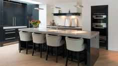 Keukens Luxury Living, Sweet Home, New Homes, Table, Furniture, Kitchens, Home Decor, Ideas, Decoration Home