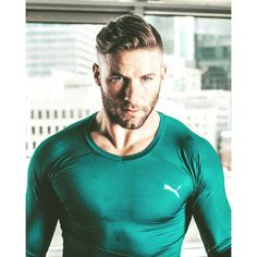 Julian- this color brings out his eyes so much- too gorgeous! Julian Edelman, Beautiful Men Faces, Gorgeous Men, Nfl Football Players, New England Patriots Football, Antoine Griezmann, Sporty Girls, Raining Men, Athletic Men