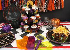 Halloween Party ideads and Good Cook Sweet Creations Halloween Gingerbread House! #goodcookcom #sweetcreations