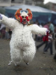 El Oso de la Diablada, Carnaval Bolivia