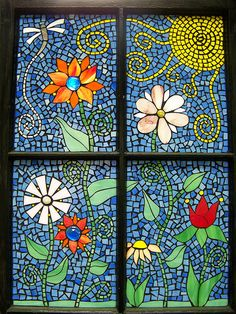 Took an old window and did a glass on glass mosaic using stained glass scraps and a few glass globs. Stained Glass Patterns, Mosaic Patterns, Stained Glass Art, Floral Patterns, Tile Art, Mosaic Art, Mosaic Glass, Mosaic Crafts, Mosaic Projects