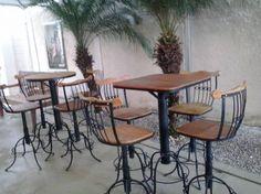 Conjuntos de mesa bistrô rústicos em peroba rosa, madeira de demolição e ferro fundido. Cadeiras com regulagem de altura. Garden e House Campinas!