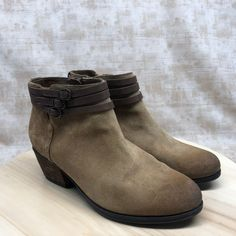 3ac740a5da9ed5 Clarks Shoes | Clarks Artisan Women'S Side Zip Ankle Boots Dd7 | Color:  Brown | Size: 7