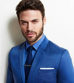 Luxury & Vintage Madrid, offers you the best selection of contemporary and vintage clothing in the world. Dapper Gentleman, Dapper Men, Modern Mens Fashion, Beautiful Men Faces, Ryan Guzman, Suit And Tie, Modern Man, Vintage Outfits, Vintage Clothing