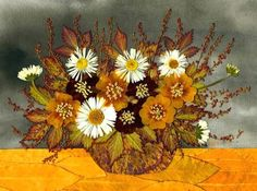Осенние листья в умелых руках превращаются в настоящие творческие шедевры. Например,  картина из засушенных цветов и листьев.