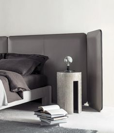 TUYO BED - Designer Double beds from Meridiani ✓ all information ✓ high-resolution images ✓ CADs ✓ catalogues ✓ contact information ✓ find. Milan Furniture, Luxury Furniture, Bedroom Furniture, Furniture Design, Home Bedroom, Master Bedroom, Bedroom Decor, Contemporary Bedroom, Modern Bedroom