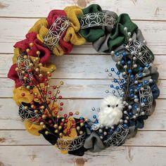 Hogwarts wreath (Can't find the original link)