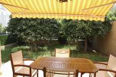 Apartamento playa con jardín - ESPAÑA - QUICK Anuncio Pergola, Outdoor Structures, Chalets, Floors, Outdoor Pergola, Arbors, Pergolas
