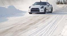 Team IceRicers Coloca Nissan GT-R a Subir Pista De Ski Na Suécia