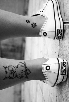 This gives me a great idea...the owl is adorable but I would replace it with a cat and the paw prints would be pink for each of my cats.