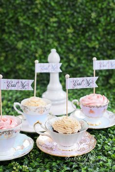 Creatively Glamorous Wedding Ideas - dessert. photo: 5ivefifteen Photo Company