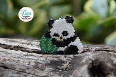 🍃Nos encantan los animales!, aquí les dejamos un panda muy entretenido con su sandia 😊😊😄 Hermosa version de Oso 🐼 por @beaded_bird 👏 gracias por este patrón tan tierno! #accesoriosDArt #ginnaandyessika #hechoamano #handmade #osopanda #panda #pandas #pandalove #pandalovers #amolosanimales #amolospandas #tiernos #animales #animal #DiaMundialdelosAnimales #bogota #colombia #naturaleza #accesorios #joyastejidas #smile #moda #style