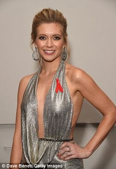 Rachel Riley suffers X-RATED wardrobe malfunction as she gives Countdown viewers an eyeful Tv Presenters, Rachel Riley Fans, Rachel Riley Dress, Most Beautiful Women, Beautiful People, Beautiful Females, Racheal Riley, Kelly Reilly, Beauty