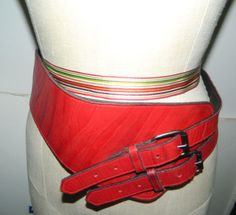 Vtg-Retro-Punk-80s-M-L-Red-Leather-Belt-Double-Buckle-Rock-Electric-Guitar-Shape