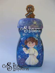 Frasco de princesa Leia.  Hecho a mano en porcelana fría por Cositas Simpáticas ^_^.