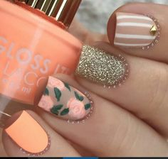 Flowers nails orange