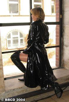 * Black Raincoat, Pvc Raincoat, Plastic Mac, Bronze, Trench, Womens Fashion, Sexy, Dresses, Animals