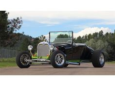 1928 Ford Roadster   898685