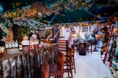 Get ready for winter with cosy ski bars in London. Here's our pick of the best ski-themed drinking spots and winter lodges for complete with Alpine themes, hot cocktails and a warming vibe. It's après ski, London-style. Christmas Pops, London Christmas, Christmas Lodge, Nordic Christmas, Christmas Parties, Christmas 2016, Christmas Time, Christmas Decorations, Winter Lodge