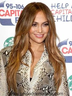 Jennifer Lopez Color de Pelo con un Favorecedor corte de pelo