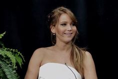 """Jennifer Lawrence is Rude (and Funny!): Zach Galifianakis """"Between Two Ferns"""""""