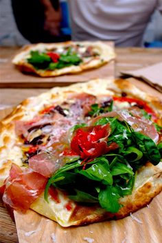 goat cheese, cured smoked ham, fig & olive tapenade, fresh red onion, capers & thyme.