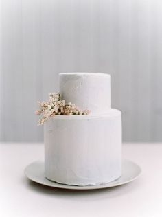 wedding cake - pure and simple