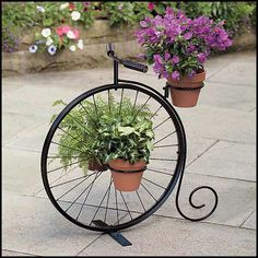 Clever ideas for the garden, how to create the desired garden look - Garden Design Ideas Wrought Iron Decor, Iron Wall Decor, Decoration Plante, Garden Deco, Steel Art, Flower Stands, Iron Art, Garden Planters, Plant Holders