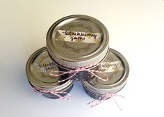Looking for a quick gift to make this weekend for teachers, neighbors, friends, co-workers and more? I have a sweet idea for you… For as far back as I can remember my mom has made strawberry jam for Christmas gifts. Homemade Christmas Gifts Food, Homemade Blackberry Jam, Food Gifts, Simple Christmas, Crafty, Sweet, Easy, Holidays, Canning